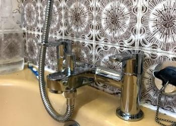 Leaking Tap - LEaks Repairs - Bromley Plumbers